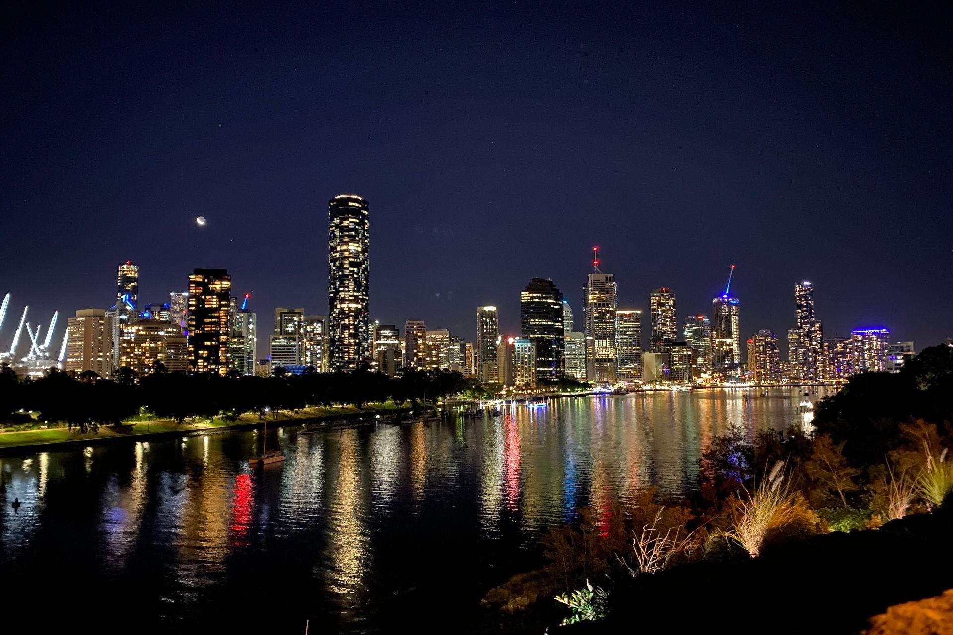 Kangaroo Point after Sunset finish of Brisbane City Highlights Day Tour
